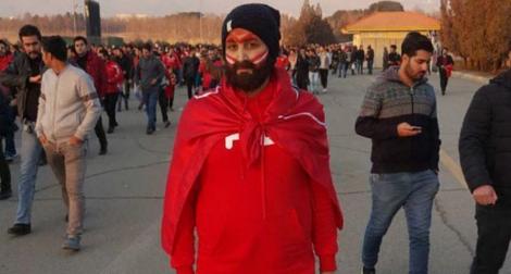 Zahra, l'Iranienne qui se travestit pour entrer dans les stades de football